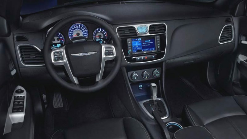 2014 Chrysler 200 Interior