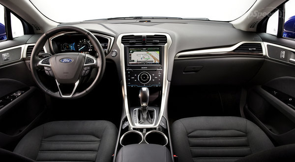 2014 Ford Fusion Hybrid Interior
