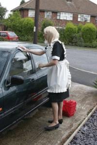 Mandycduk1-Sissy-Maid-in-Public