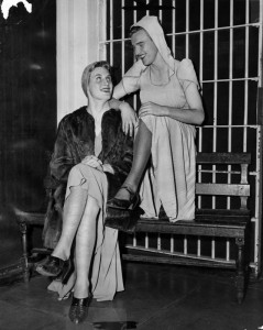 Two-men-Arrested-in-Drag-LA-1946